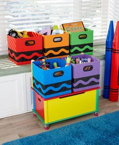 Make it fun for the kids to keep their area clean with this Crayola Storage Bin. It has a handle on either side, and there's a removable insert that makes to ea