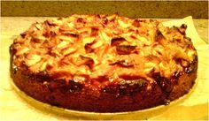 Zalige veganistische appeltaart met gekarameliseerde appeltjes on top. Gewoon nog een bolletje vanille-ijs en een tasje thee...