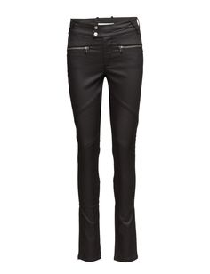 DAY - Day New York Glam Get noticed in these essential and versatile slim jeans from Day Birger et Mikkelsen for an edgy look. Regular rise, slim leg Belt loops Double button and zip-fly closure Zip front pockets Stretch fit Back welt pockets Fit Back, Edgy Look, Slim Jeans, Welt Pocket, New Day, New York, Closure, Pockets, Belt