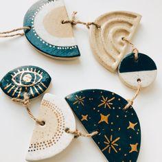 Diy Crafts Clay, Polymer Clay Crafts, Diy Clay, Polymer Clay Jewelry, Clay Art Projects, Ceramics Projects, Pottery Gifts, Pottery Art, Clay Wall Art