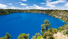 See Blue Lake, Mount Gambier, South Australia - Bucket List Dream from TripBucket Beautiful Roads, World's Most Beautiful, Beautiful Places, Torch Lake, 100 Things To Do, Alpine Lake, South Australia, Natural Wonders, National Parks