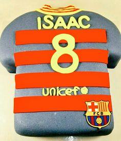 Si eres seguidor de cualquier equipo de fútbol, te hacemos tu tarta camiseta a medida!! @FCBarcelona www.tartasgourmet.com