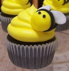 One Cute Nursery: Baby's First Bee-Day ! - Bumblebee Party