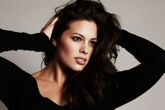 Ashley Graham Reveals how to Feel your Best Beautiful All the Time. Sports Illustrated cover model Ashley Graham (plus size model) loves exercising Big Girl Fashion, Curvy Fashion, High Fashion, Ashley Graham Images, Tara Lynn, Photoshop, Si Swimsuit, Striped Maxi, Trends