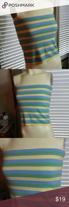 Cashmere blend top Very nice in excellent condition Saks Fifth avenue Tops Tank Tops