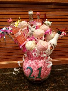 Birthday beer cake – Baho Baho – Presents for girls 21st Birthday Bouquet, 21st Birthday Centerpieces, 21st Birthday Basket, 21st Birthday Gifts For Girls, 21st Bday Ideas, Birthday Gift Baskets, Happy 21st Birthday, Diy Birthday Decorations, 21st Gifts