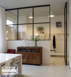 FritsJurgens stalen Taatsdeuren met glas. Een project van G. de Rooy Metaaldesign #stalenbinnendeuren #taatsdeuren