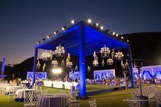 Wedding Backdrop Design, Wedding Stage Design, Desi Wedding Decor, Luxury Wedding Decor, Wedding Mandap, Wedding Set Up, Indian Wedding Decorations, Wedding Lighting, Church Wedding