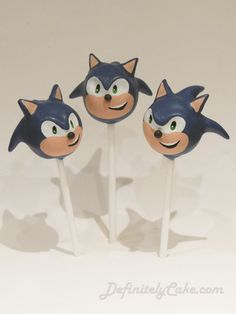 Sonic The Hedgehog Cake Pops - treat idea for a kids birthday party! Sonic Birthday Parties, Sonic Party, 14th Birthday, Birthday Ideas, Sonic The Hedgehog Cake, Sonic Cake, No Bake Cake Pops, Hedgehog Birthday, Chocolate Buttons