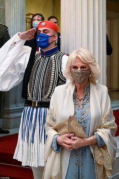 Prince Charles And Camilla, Prince Phillip, Camilla Duchess Of Cornwall, Duchess Of Cambridge, Navy And White Dress, Camilla Parker Bowles, Lady In Waiting, Royal Life, English Royalty