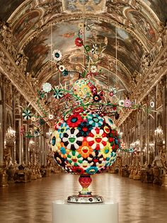 Takashi Murakami, Flower Matango 2001-2006 (fiberglass, iron, oil paint and acrylic) The hall of Mirrors / Château de Versailles