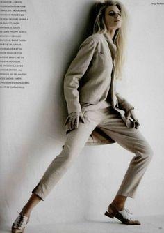 sur un autre ton L'OFFICIEL FRANCE, FEBRUARY 1991 Photographer: Serge Barbeau Model: Natalie Bachmann