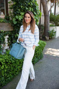 Blogger Gal Meets Glam wears a Gap fitted boyfriend oxford shirt on her weekend getaway.