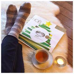 C'est dimanche, je feuillette le catalogue Noël et je prépare ma liste bien au chaud ;)