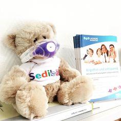"""Sie führen Ihre eigene Arztpraxis? Sie wollen, dass sich Ihre Patienten rundum wohl fühlen? Das Internet hilft Ihnen, Ihre Praxis so zu präsentieren, dass Ihre Patienten auf den ersten Blick ein gutes und sicheres Gefühl bekommen. """"Ihre Praxis im Bick"""" unterstützt Sie dabei, dieses Potential zu nutzen.  Wir fotografieren Ihr Team, Ihre Praxisräume und Details aus dem Praxisalltag für Ihren Social-Media-Auftritt. Teddy Bear, Internet, Marketing, Toys, Animals, Instagram, Doctor Office, First Aid, Activity Toys"""