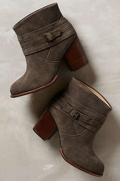 Gimmie dem booties!!! Anthropologie - Laventa Booties