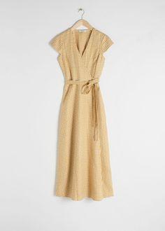 JO ______________________________________________Gingham Linen Midi Wrap Dress - Yellow Gingham - Midi dresses - & Other Stories Gingham Dress, Yellow Dress, Tartan, Plaid, Robes Midi, Dresses For Work, Summer Dresses, Fashion Story, Fashion Dresses