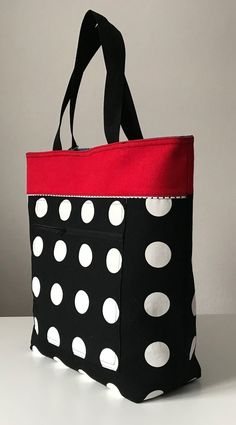 Best 12 Polka dots, black and white, red, shoulderbag, womans – SkillOfKing. Quilted Tote Bags, Patchwork Bags, Bag Patterns To Sew, Denim Bag, Fabric Bags, Tote Purse, Handmade Bags, Fashion Bags, Moda Fashion