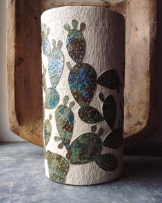 For many years, pottery has played an integral role in society, with many people collecting and making their own different variety. In some cases, ancient pottery has been sold for thousands, if no… Cactus Ceramic, Cactus Art, Ceramic Clay, Porcelain Ceramics, Ceramic Pottery, Ceramics Projects, Clay Projects, Beginner Pottery, Vases