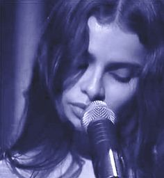 Mazzy star - fade into you Hope Sandoval, Hot Red Lipstick, Mazzy Star, How To Apologize, Save The Queen, Star Pictures, Amazing Pics, Post Punk, Good People