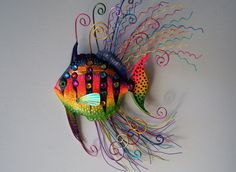 Fish art sculpture whimsical wall fish art: try with paper mache? Fish Sculpture, Wall Sculptures, Animal Sculptures, Clay Crafts, Arts And Crafts, Colorful Fish, Tropical Fish, Sea Art, Beach Crafts