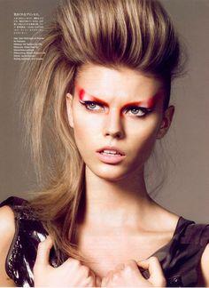 beauty shots – The Makeup Files Beauty Makeup, Hair Makeup, Hair Beauty, Rock Makeup, Eyeliner Flick, Graphic Eyes, Bed Hair, Cool Makeup Looks, Runway Hair