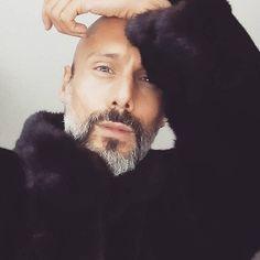 """Mi piace"": 169, commenti: 3 - Stylist|F.Adviser|Buyer|TV (@pedro.crispim) su Instagram: ""Vintage Vison by @novos.conceitos #pedrocrispim #fur #vison #visoncoat #vintagefur #furcoat"""