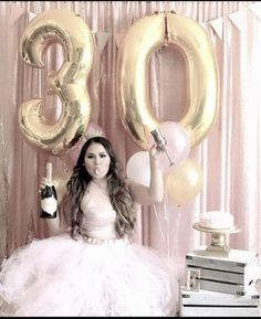 Trendy Birthday Surprise For Her Balloon Party Ideas 30th Birthday Outfit, Adult Birthday Party, 30th Birthday Parties, 30 Birthday Balloons, Birthday Nails, Birthday Surprises For Her, Birthday Ideas For Her, Adult Cake Smash, 30th Party