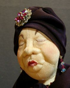 """The Mother In Law, close up showing her character through my """"Extreme Sculpting"""" techniques. Reminds me of the children's verse, There was an old woman . Sculpture Textile, Soft Sculpture, Ceramic Sculptures, Doll Clothes Patterns, Doll Patterns, Marionette, Polymer Clay Dolls, Paperclay, Doll Costume"""