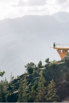 Sea to Sky Gondola engagement in Squamish, BC, Canada by photographer Will Pursell