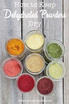 Learn How To Keep Dehydrated Fruit And Vegetable Powders From Caking And Clumpking In Your Pantry. The most effective method to Make Vegetable And Fruit Powders. Dehydrated Vegetables, Dehydrated Food, Recipes With Dehydrated Fruit, Cooking Vegetables, Homemade Spices, Homemade Seasonings, Spice Blends, Spice Mixes, Fruit And Veg