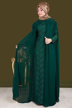 ** EN YENİLER ** Pelerinli Dantel Abiye Zümrüt Ürün kodu: RZ6102 --> 159.90 TL Muslim Veil, Muslim Dress, Abaya Fashion, Muslim Fashion, Fashion Dresses, Mom Dress, Couture, Beautiful Dresses, Sewing Crafts