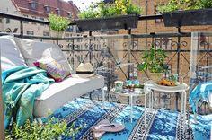 A lovely Swedish crib with a cozy balcony