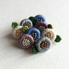*受注生産*小さいお花のピアス Brooches Handmade, Handmade Flowers, Embroidery Techniques, Embroidery Stitches, Beaded Embroidery, Hand Embroidery, Sewing Box, Textile Jewelry, Button Crafts
