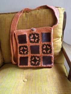 cartera cuero y crochet Straw Bag, Burlap, Reusable Tote Bags, Crochet Bags, Google, Fashion, Crochet Purses, Vestidos, Leather Wallets