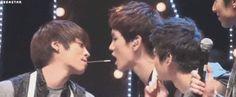 SHINee Jonghyun KEY JongKey kiss