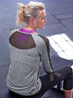 Crux Capri Yoga Panta from Athleta. Really like the top as well!