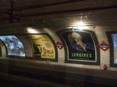 Bajo la superficie de muchas urbes existen un gran número de estaciones y pasadizos abandonados, antiguas redes de metro hoy olvidadas. Algunas, las más conocidas, auténticas obras de arte de la arquitectura, otras incluso museos. Esta es una selección de estas construcciones del pasado.