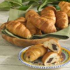 LaTienda.com - Chocolate Croissants (2 Packages)http://www.tienda.com/food/products/co-50-2.html?site=1