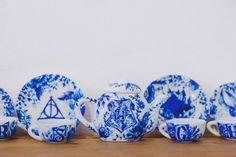 Harry Potter tea set. Every classy fangirl needs one!!