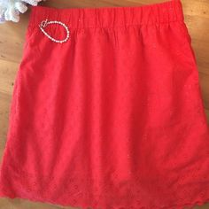 Coincidence and Chance Skirt This skirt is eyelet in lined has pockets this is great for summer 19in long waist 31in but is elastic so will go larger if needed Coincidence and Chance Skirts Midi