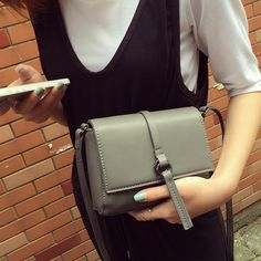 Women Simple PU Leather Flap Bag Teenage Girls Retro Small Square Bag Mini Styling Shoulder Bags Gray Female Packet Day Clutch