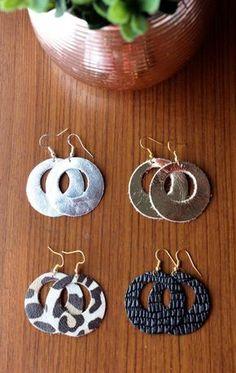 Round Leather Earrings, Handmade Leather Earrings, Sterling Silver Hooks, Gold plated Hooks R. Diy Leather Earrings, Diy Earrings, Leather Jewelry, Wire Jewelry, Jewelry Crafts, Earrings Handmade, Jewellery Box, Silver Earrings, Tanishq Jewellery