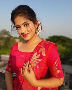 Girl Pictures, Girl Photos, Beautiful Girl Photo, Cute Beauty, Beauty Full, Indian Beauty Saree, Beautiful Saree, India Beauty, Girls Image