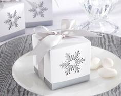 http://bondbridal.com/Set-of-24-Winter-Dreams-Laser-Cut-Snowflake-Favor-Boxes-P2156180.aspx