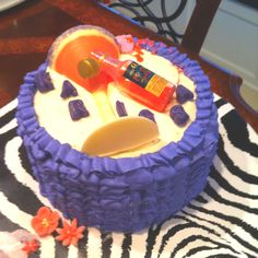 Hey everybody let's get tipsy!! 21st birthday party cake..made by @noturmomcakes KC