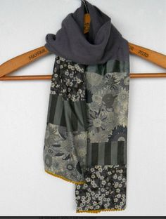 patch scarf