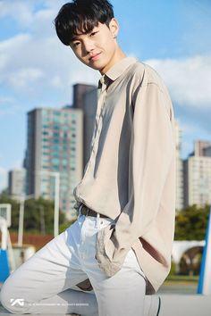 💎A#6 김도영 <KIM DOYOUNG> PROFILE IMAGE💎 Yg Entertainment, K Pop Wallpaper, Yg Trainee, Bilal Hassani, Survival, Idole, Fandom, Korean Boy Bands, Treasure Boxes