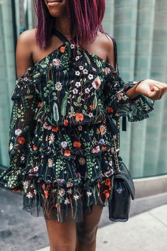 Looking for a fun, feminine dress to wear on date night? D.C. blogger Alicia Tenise styles a cold shoulder floral dress by Alexis as inspiration!