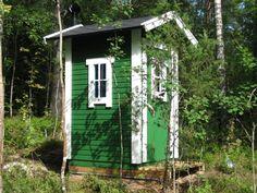 Suomen Huussitehdas - Perinteinen Isohuussi Shed, Outdoor Structures, Money, Plants, Ideas, Toile, Silver, Plant, Thoughts